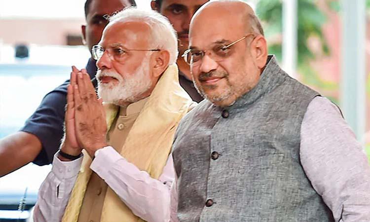 Maharashtra News: सुप्रीम कोर्ट के फ्लोर टेस्ट के आदेश के बाद मिले PM मोदी-अमित शाह
