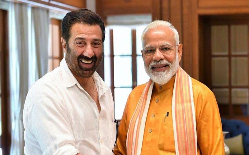 PM मोदी ने सनी देओल के साथ शेयर की फोटो, साथ ही किया ये पोस्ट