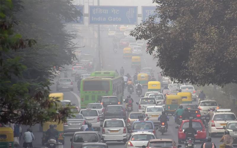 Delhi Pollution : 10 से 15 साल पुरानी गाड़ी वालों को नहीं मिलेगी राहत