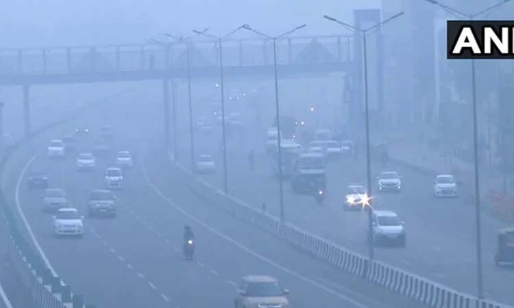 प्रदूषण ने मचाया Delhi-NCR में आतंक, सभी स्कूल बंद