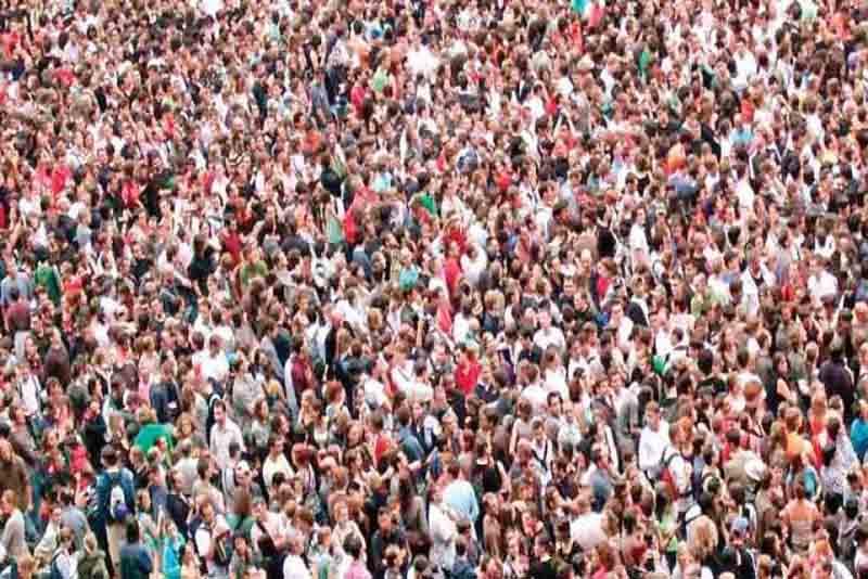 बढ़ती जनसंख्या देश के विकास में बाधक