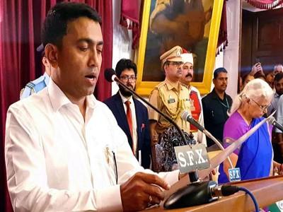 गोवा के CM बनें प्रमोद सावंत, देर रात दो बजे ली शपथ