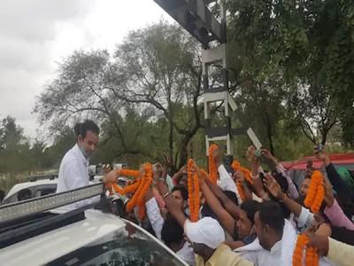 Bihar Assembly Election: तेजप्रताप यादव ने बदल ली अपनी सीट! यहां मांग रहे वोट