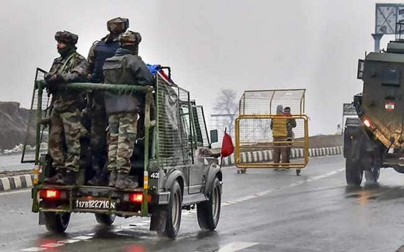 जम्मू-कश्मीर: आईईडी को डिफ्यूज करते समय हुए मेजर शहीद