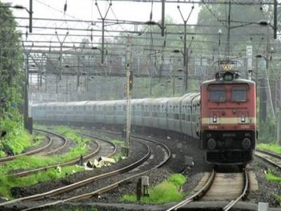 गंगा-कावेरी एक्सप्रेस में डकैतों का कहर, यात्रियों को मारपीट कर लूटा