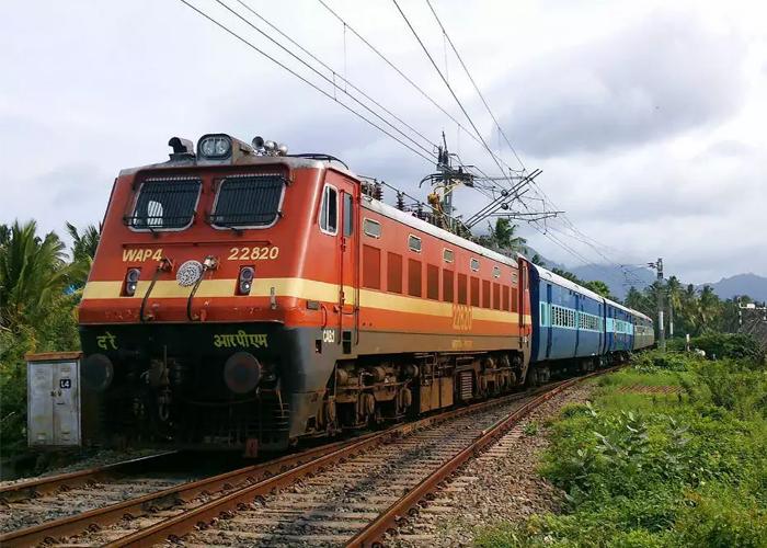 RRB NTPC Exam: रेलवे एनटीपीसी के पदों पर अब मिलने वाला है इतना वेतन