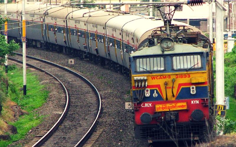 अब समय पर अपनी मंजिल पर पहुंचेगी भारतीय रेलवे, समिति ने सौंपी रेलवे बोर्ड को ये रिपोर्ट