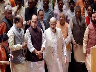 राज बब्बर ने यूपी कांग्रेस अध्यक्ष पद से दिया इस्तीफा, ब्राह्मण चेहरा ला सकती है कांग्रेस