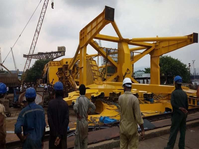 विशाखापट्टनम: हिंदुस्तान शिपयार्ड में क्रेन गिरने से 10 मजदूरों की हुई मौत