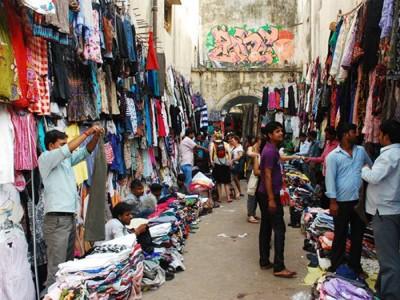 इन शर्तों के साथ आज से करें दिल्ली के सरोजिनी नगर और कनॉट प्लेस में शॉपिंग