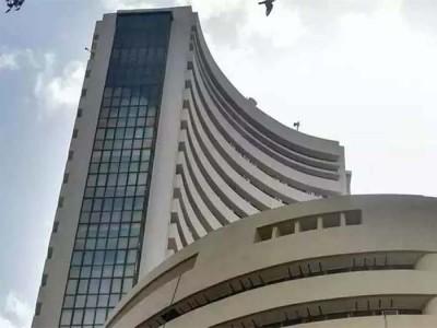 कोरोना का कहर: भारतीय बाज़ार गिरावट के साथ खुले, सेंसेक्स 2,000 अंक से ज्यादा टूटा