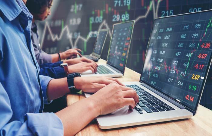 भारतीय शेयर बाजार में आई सितंबर की सबसे बड़ी गिरावट, 2 लाख करोड़ रुपये का नुकसान