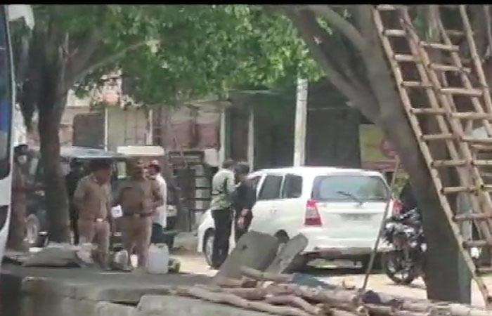लखनऊ में अलकायदा के दो आतंकी गिरफ्तार, कई बड़े नेता थे निशाने पर