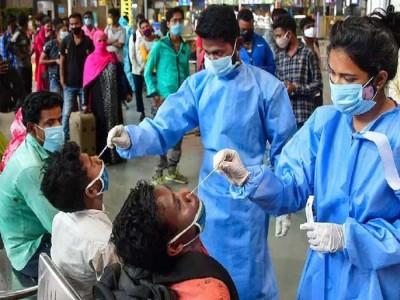 कोरोना के मामलों में आई भारी कमी, 24 घंटे में आए 15981 नए केस, 166 मरीज़ों की मौत