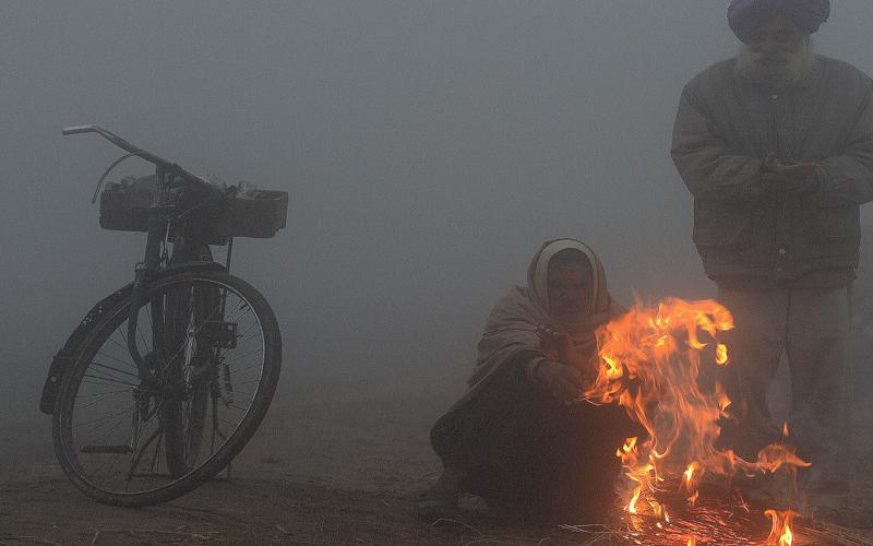शिमला से ज्यादा ठंडी हुई राजधानी, बाकी राज्यों में भी ठंड का कहर