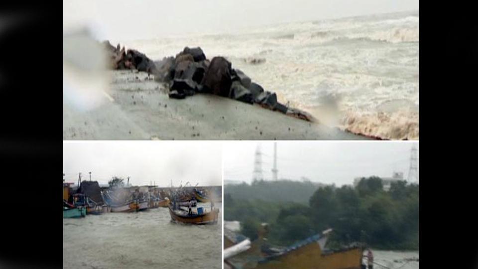 Cyclone Pethai ने बिछाई आंध्र प्रदेश में खौफ की चादर