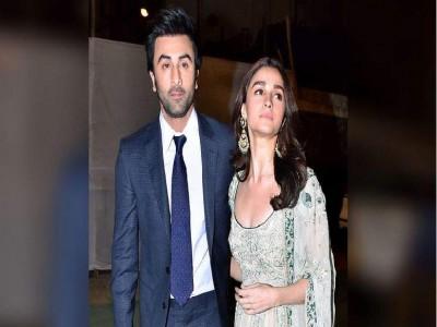Entertainment News: Lockdown के बीच साथ बढ़ रही है Ranbir Kapoor और Alia Bhatt! की नजदीकी