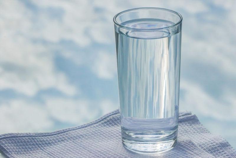 जरूरी नहीं है दिन में 8 गिलास पानी पीना