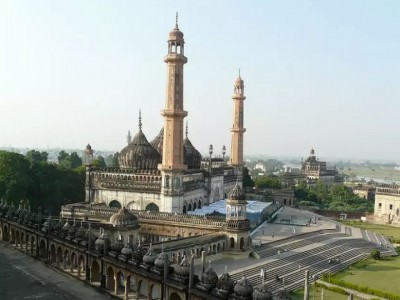 लखनऊ : मरकजी मस्जिद में मिले कई किर्गिस्तानी और कज़ाख़िस्तानी नागरिक